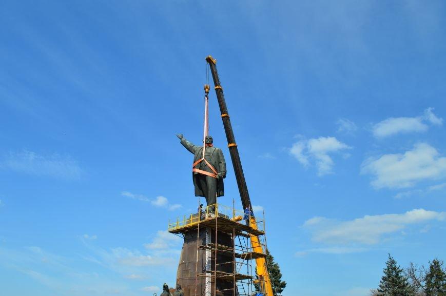 В Запорожье демонтируют самого большого Ленина в Украине: онлайн-трансляция (обновляется), фото-111