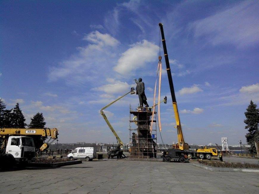 В Запорожье демонтируют самого большого Ленина в Украине: онлайн-трансляция (обновляется), фото-128