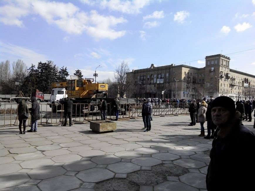В Запорожье демонтируют самого большого Ленина в Украине: онлайн-трансляция (обновляется), фото-131