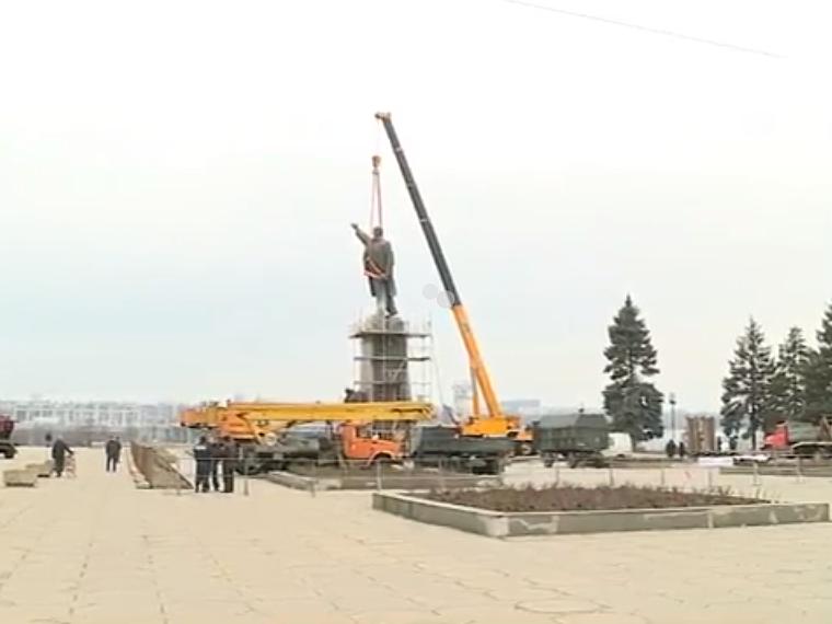 В Запорожье демонтируют самого большого Ленина в Украине: онлайн-трансляция (обновляется), фото-70