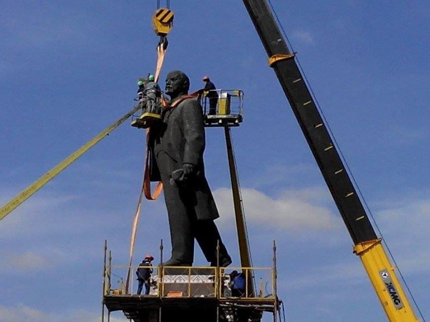 В Запорожье демонтируют самого большого Ленина в Украине: онлайн-трансляция (обновляется), фото-127