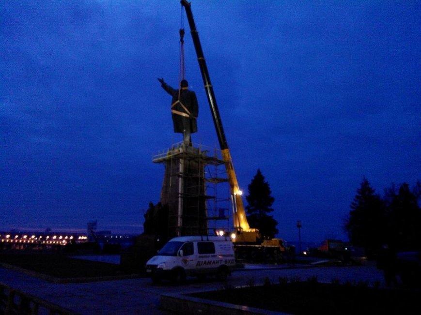 В Запорожье демонтируют самого большого Ленина в Украине: онлайн-трансляция (обновляется), фото-103