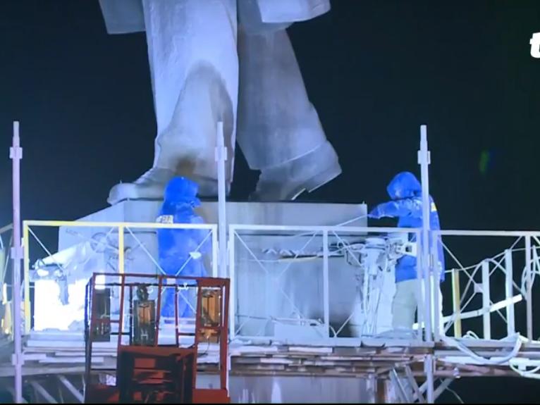 В Запорожье демонтируют самого большого Ленина в Украине: онлайн-трансляция (обновляется), фото-73
