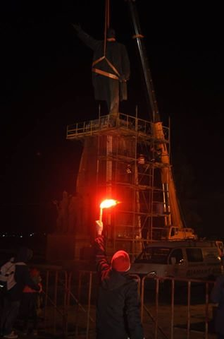 В Запорожье демонтируют самого большого Ленина в Украине: онлайн-трансляция (обновляется), фото-78