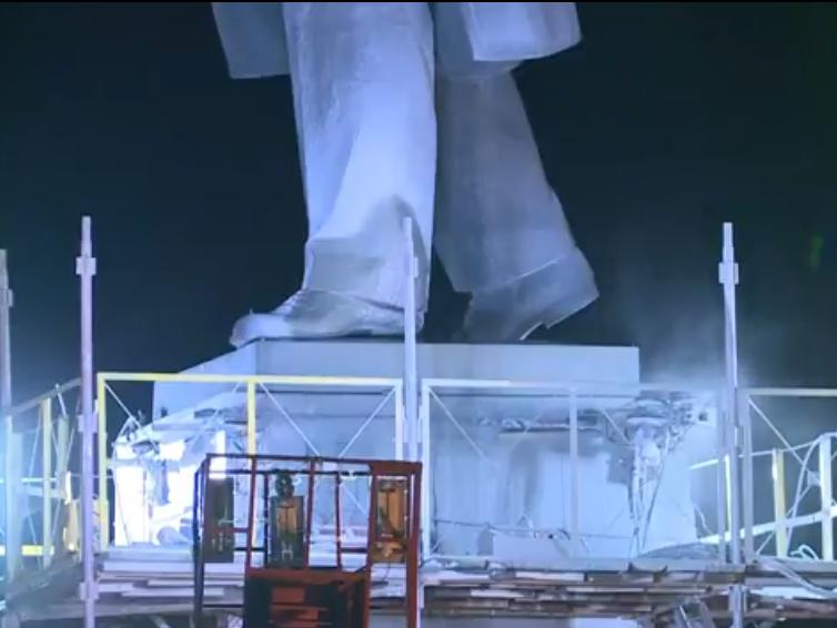 В Запорожье демонтируют самого большого Ленина в Украине: онлайн-трансляция (обновляется), фото-79