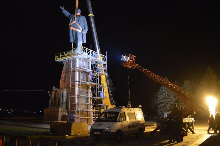 В Запорожье демонтируют самого большого Ленина в Украине: онлайн-трансляция (обновляется), фото-90