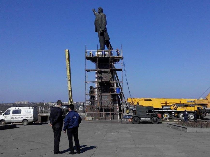 В Запорожье демонтируют самого большого Ленина в Украине: онлайн-трансляция (обновляется), фото-146