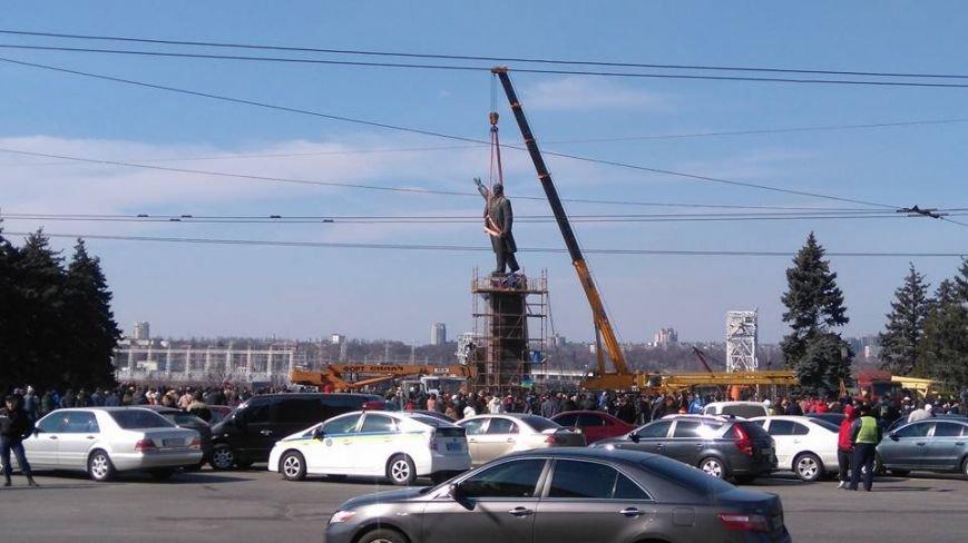 В Запорожье демонтируют самого большого Ленина в Украине: онлайн-трансляция (обновляется), фото-107