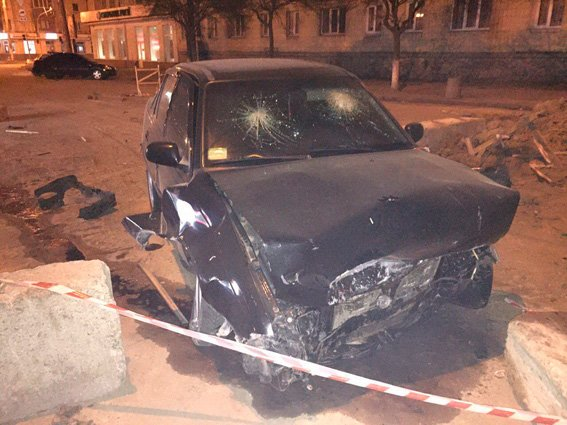 За невнимательность еще одного водителя в Житомире произошло ДТП с пострадавшими (фото) - фото 1
