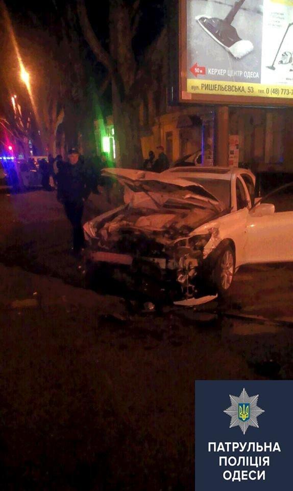 В Одессе пьяные мажоры на Lexus