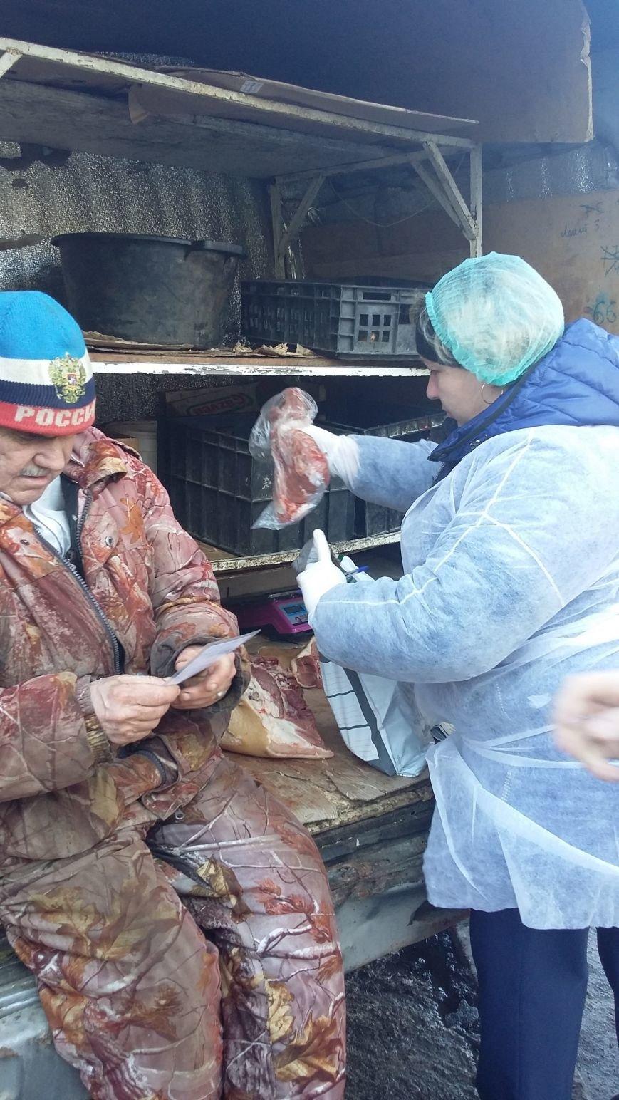 В Ульяновске продавец мяса накинулся на ветеринаров, пришедших с проверкой, фото-1
