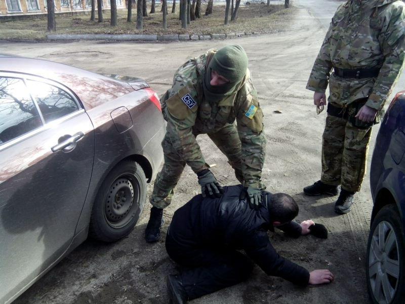 На Сумщине СБУ разоблачила коррупционный механизм приема на военную службу (фото) - фото 1