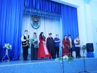 Библиотекари, курсанты, студенты и школьники представили пьесу