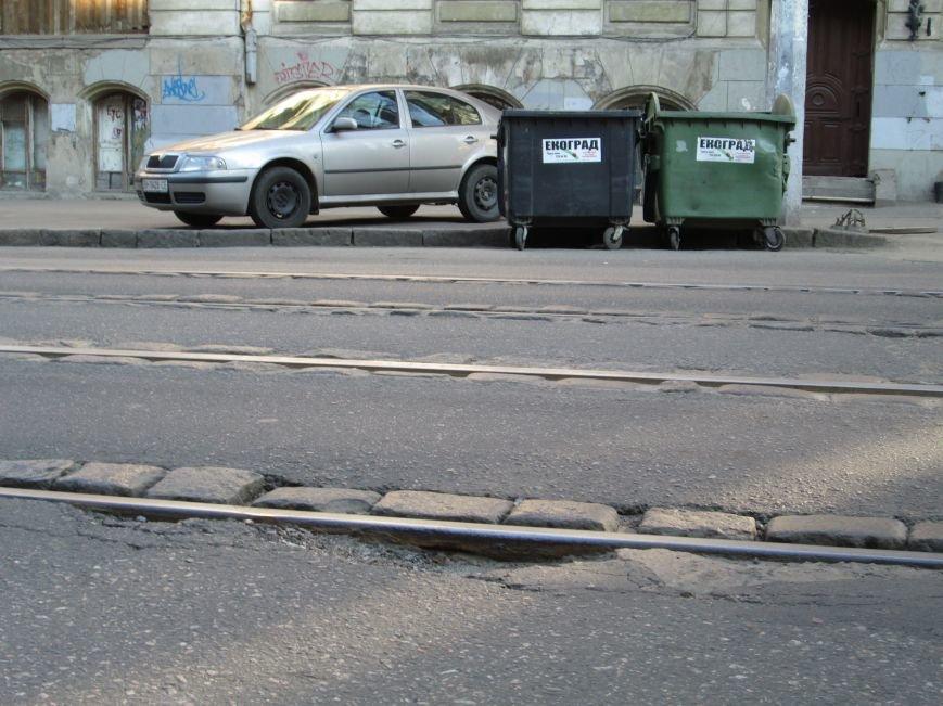 5bd8b1f632a73ff996316dae4b73e292 На дорогах в центре Одессы водители убивают машины