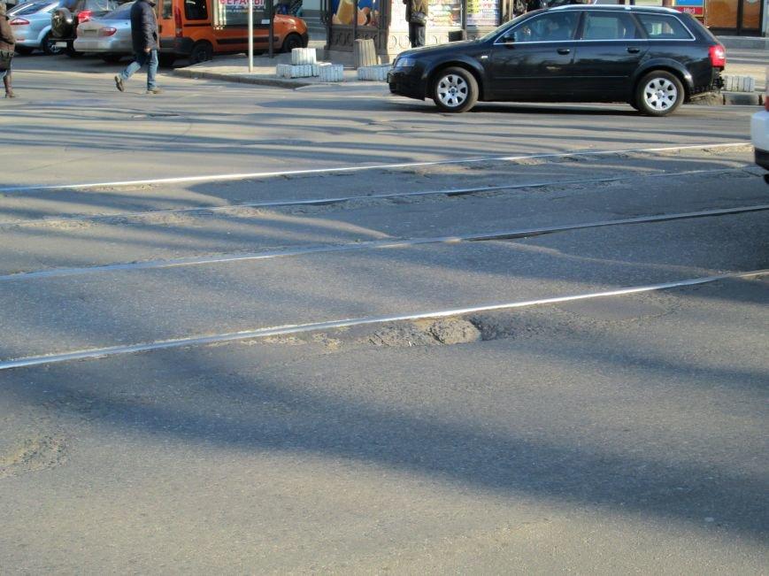 b089d61ede1ca2cc81a59a34435a7628 На дорогах в центре Одессы водители убивают машины