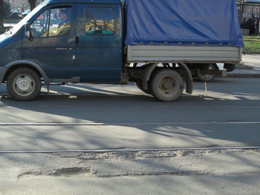 cb96d19292ff03727b221b3fa9d0acef На дорогах в центре Одессы водители убивают машины