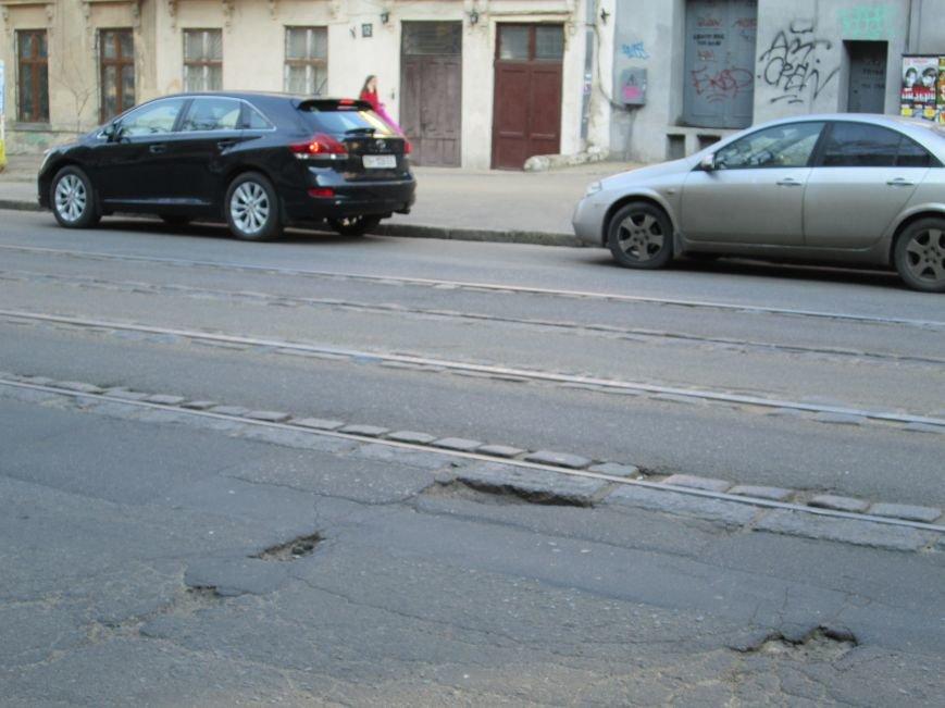 e5e00f2224c020ebd7accb21276ab73b На дорогах в центре Одессы водители убивают машины