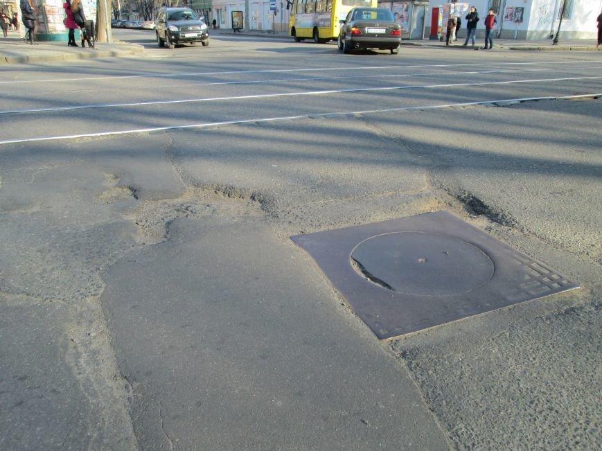 fbe079f05569eea8edf7d105ad5e0a9a На дорогах в центре Одессы водители убивают машины