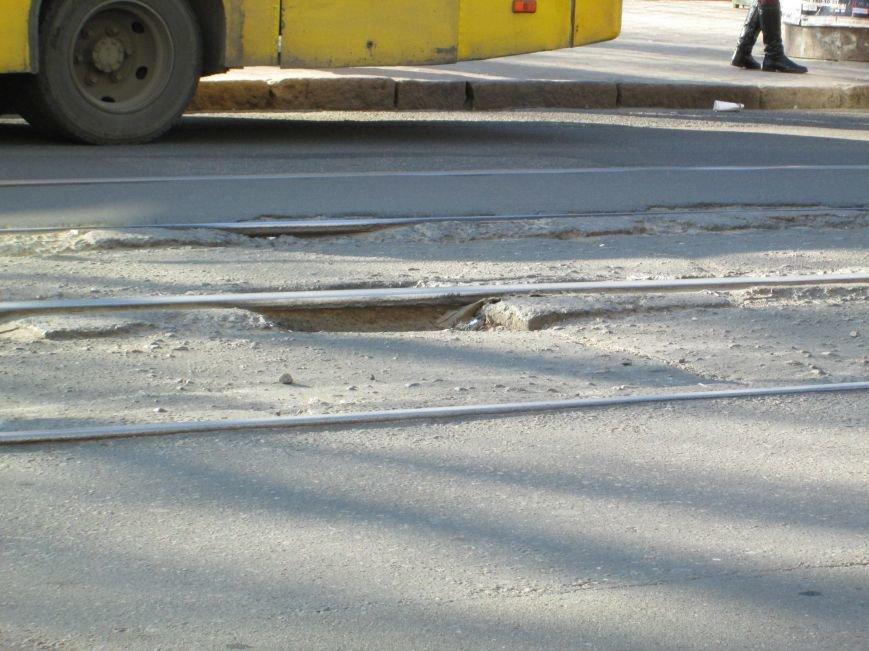 ad89a8b53e11d390e13f286b73a904f0 На дорогах в центре Одессы водители убивают машины