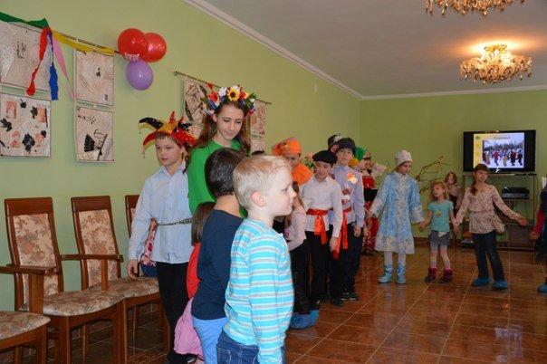 В библиотеке на Красноселке отпраздновали блинную неделю (фото) - фото 1