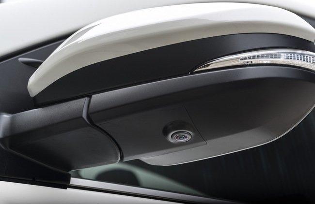Тест-драйв Toyota RAV4 Hybrid: майбутнє не за горами Тест-драйв (фото) - фото 3