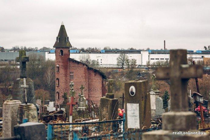 Фоторепортаж из гродненского «Замка Дракулы» - одного из самых высоких и необычных коттеджей в Беларуси (фото) - фото 6