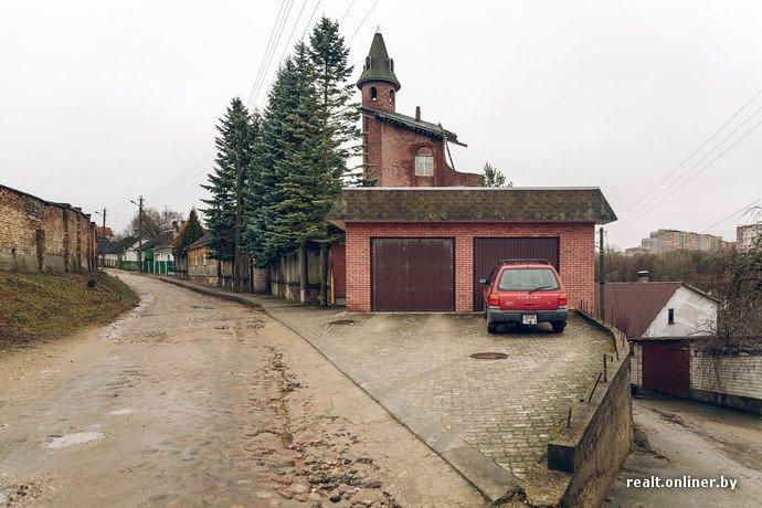 Фоторепортаж из гродненского «Замка Дракулы» - одного из самых высоких и необычных коттеджей в Беларуси (фото) - фото 4