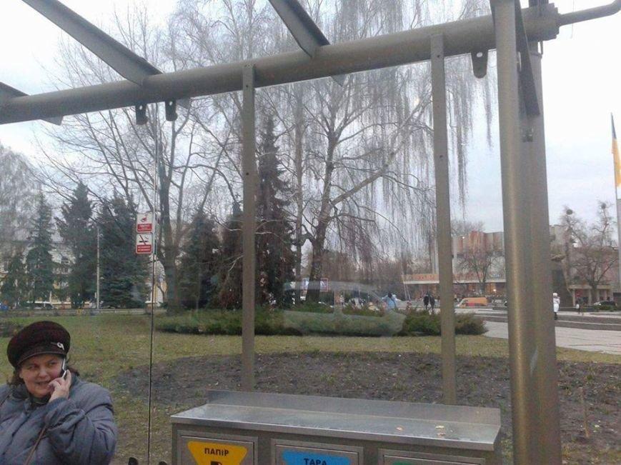 В Житомире возле горсовета появится более комфортная остановка, фото-2
