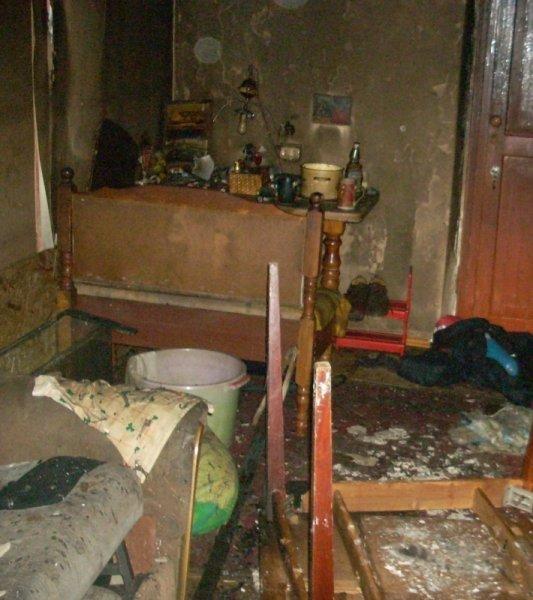 Из горящей сталинки в Засвияжье спасли ребенка, но в пожаре погиб мужчина, фото-1