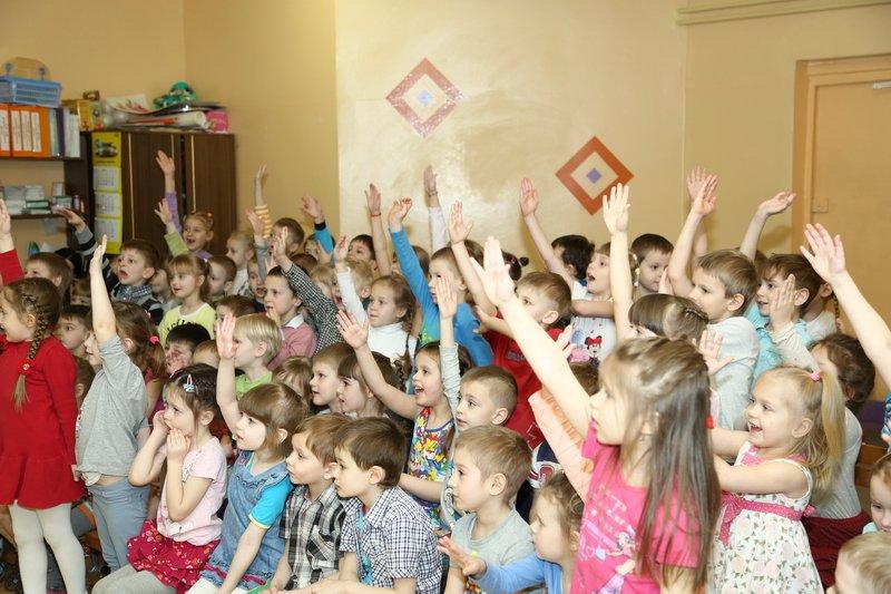 Новополоцкие спасатели сыграли с детьми в «Опасно» - «Безопасно», фото-1