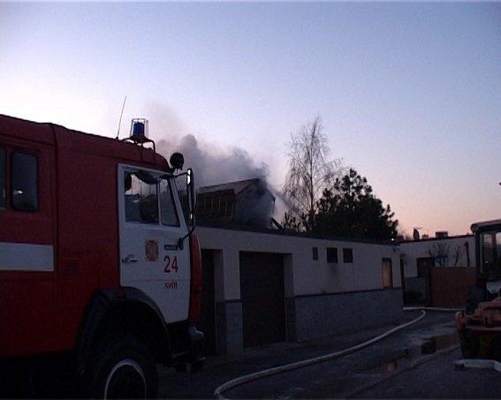 Стали известны подробности нападения на дом нардепа под Киевом (ФОТО) (фото) - фото 2