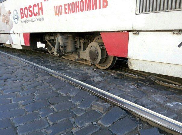 У Львові зійшов з рейок трамвай (ФОТО), фото-4