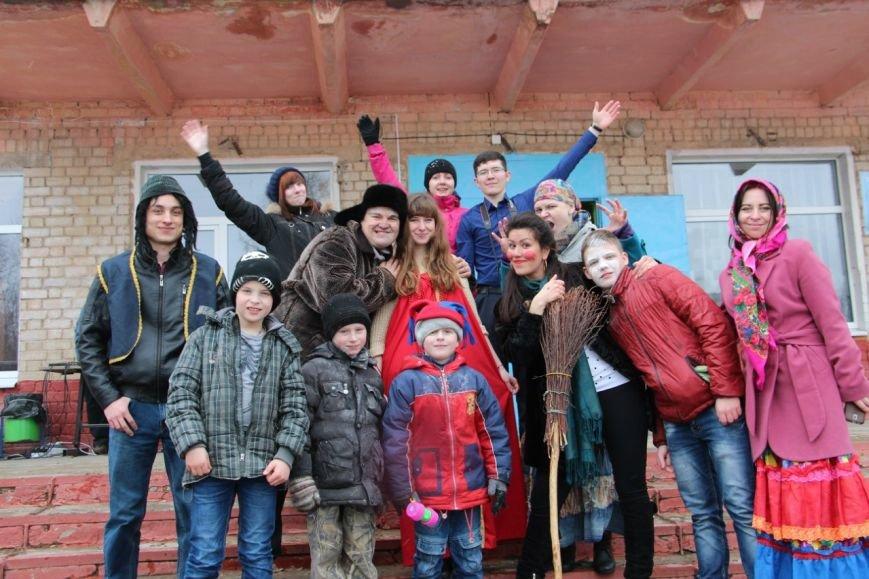 Под Тверью волонтёры проводили зиму с воспитанниками школы-интерната (фото) - фото 8