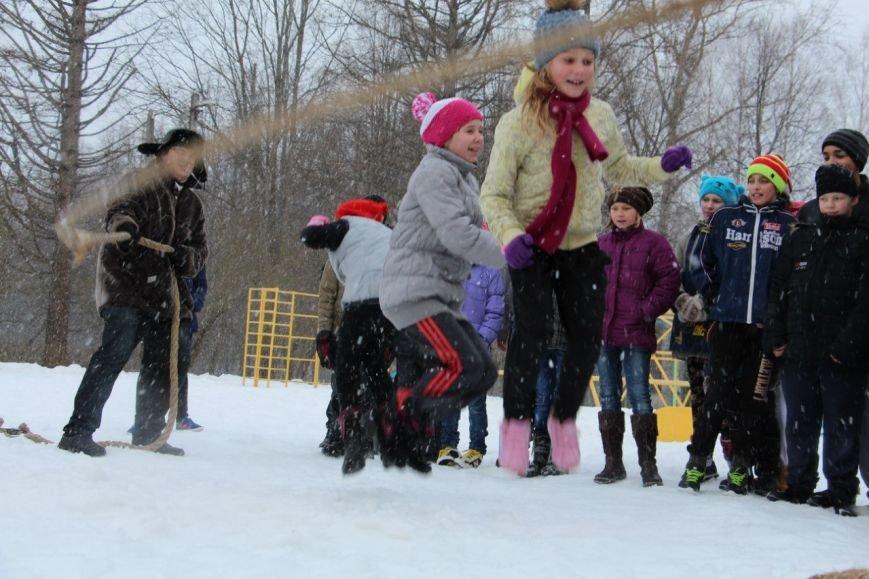 Под Тверью волонтёры проводили зиму с воспитанниками школы-интерната (фото) - фото 2