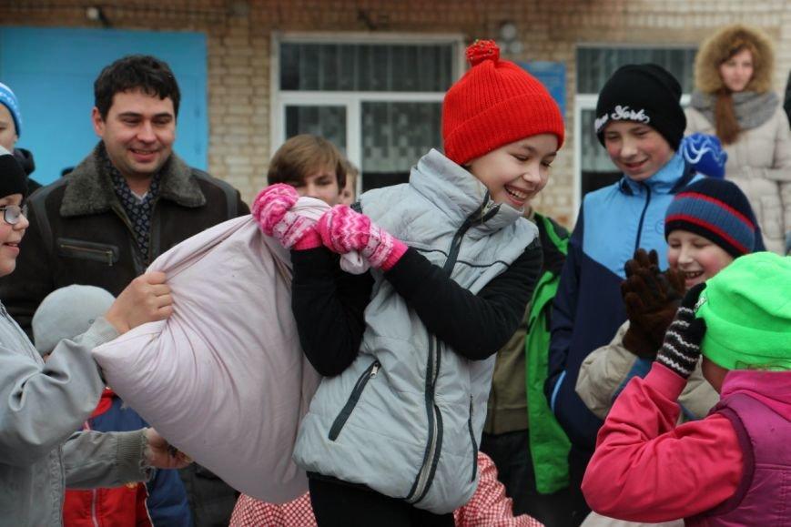 Под Тверью волонтёры проводили зиму с воспитанниками школы-интерната (фото) - фото 1