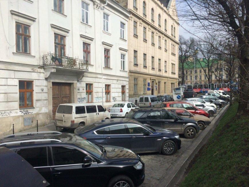 Парковки у центрі Львова: чому місто щодня втрачає кошти (фото) - фото 4