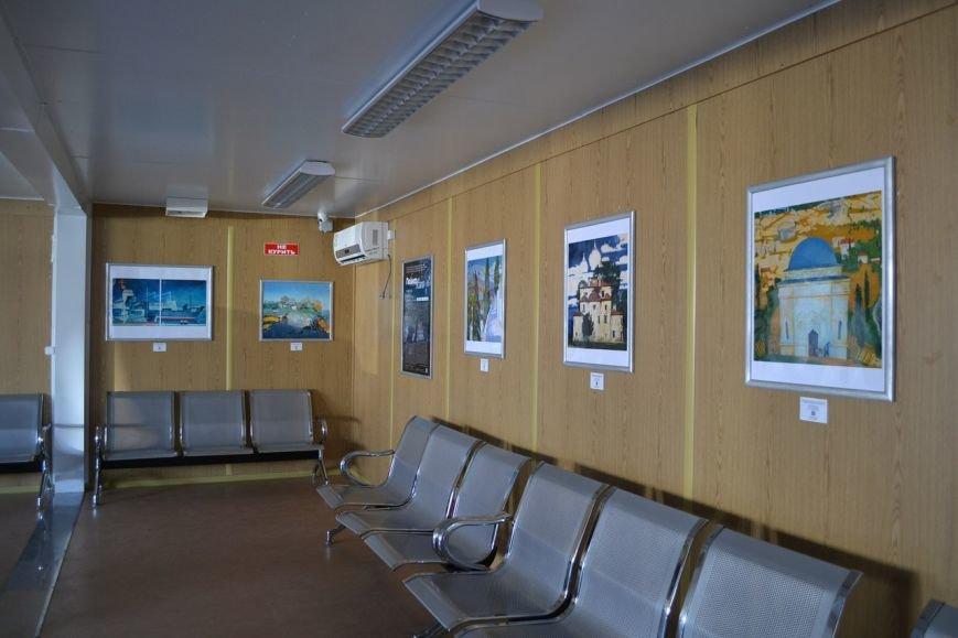 На Керченской переправе открылась художественная выставка: Картины разместили в паромах (ФОТО) (фото) - фото 1