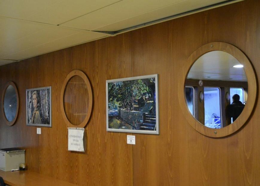 На Керченской переправе открылась художественная выставка: Картины разместили в паромах (ФОТО) (фото) - фото 2