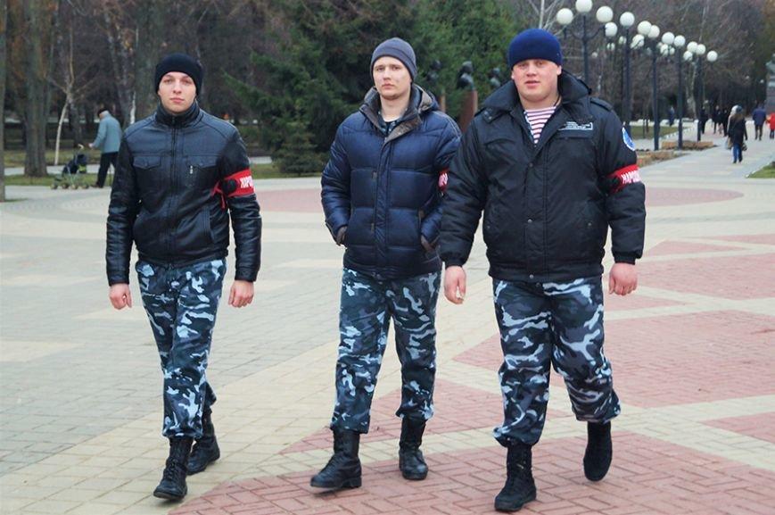 «Украинцы чуточку обиделись». Что говорили белгородцы на митинге в честь присоединения Крыма (фото) - фото 2