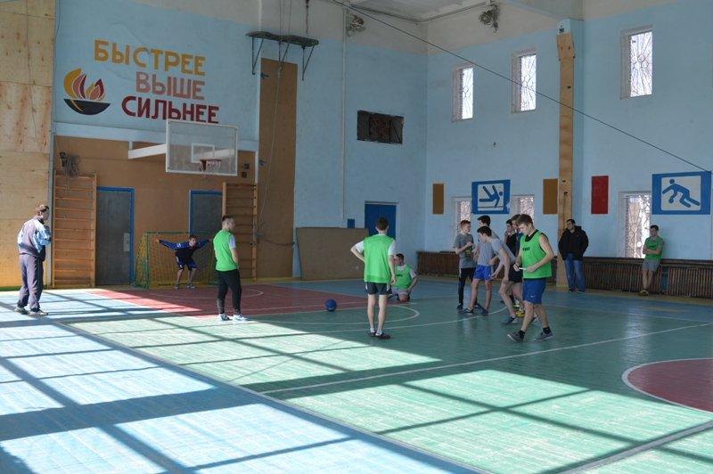 Краматорские подростки обыграли полицейских в турнире по футболу (фото) - фото 2
