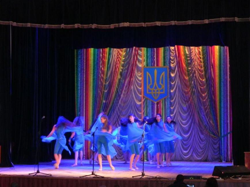 Культработники подарили коммунальщикам Бердянска концерт к их профессиональному празднику (фото) - фото 6