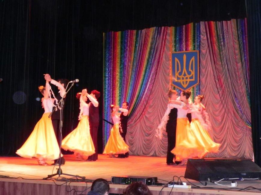 Культработники подарили коммунальщикам Бердянска концерт к их профессиональному празднику (фото) - фото 1