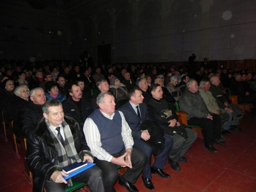 Культработники подарили коммунальщикам Бердянска концерт к их профессиональному празднику (фото) - фото 2