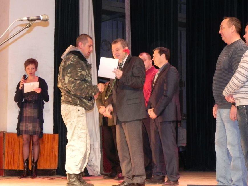 Культработники подарили коммунальщикам Бердянска концерт к их профессиональному празднику (фото) - фото 3