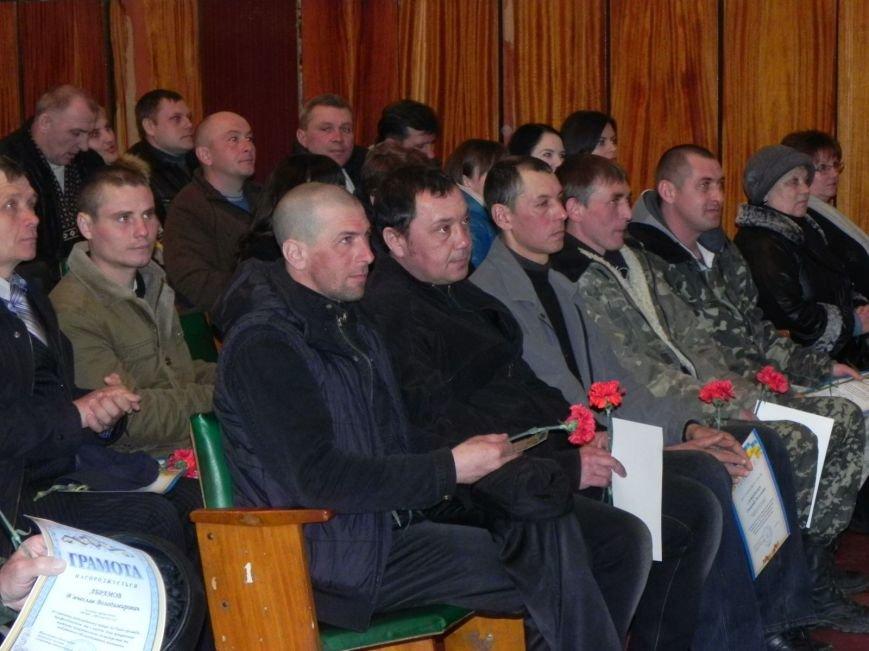 Культработники подарили коммунальщикам Бердянска концерт к их профессиональному празднику (фото) - фото 4