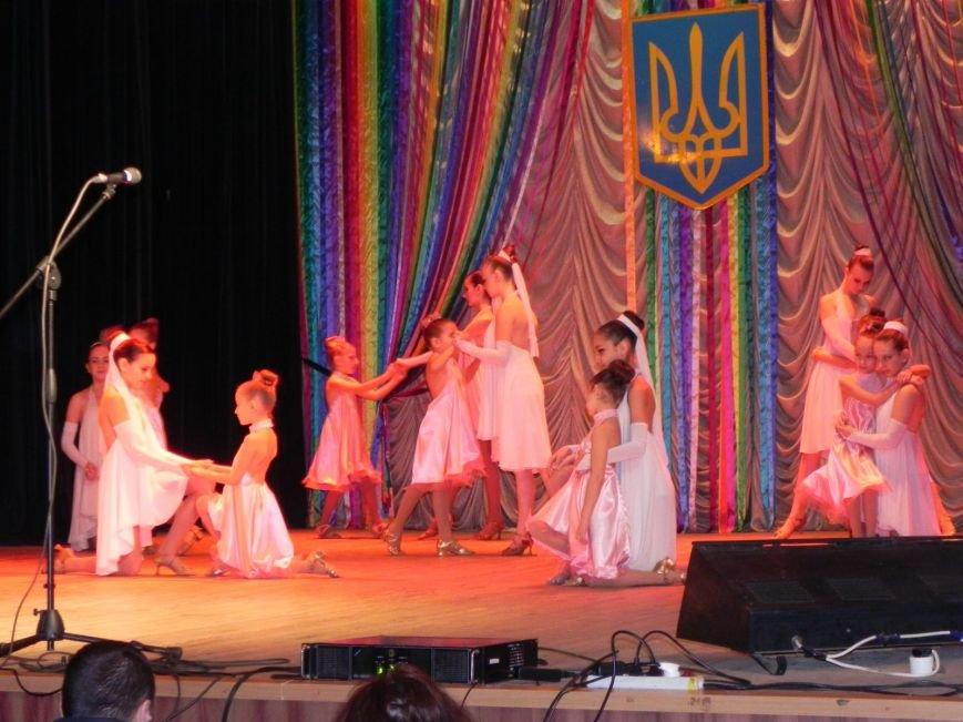 Культработники подарили коммунальщикам Бердянска концерт к их профессиональному празднику (фото) - фото 5