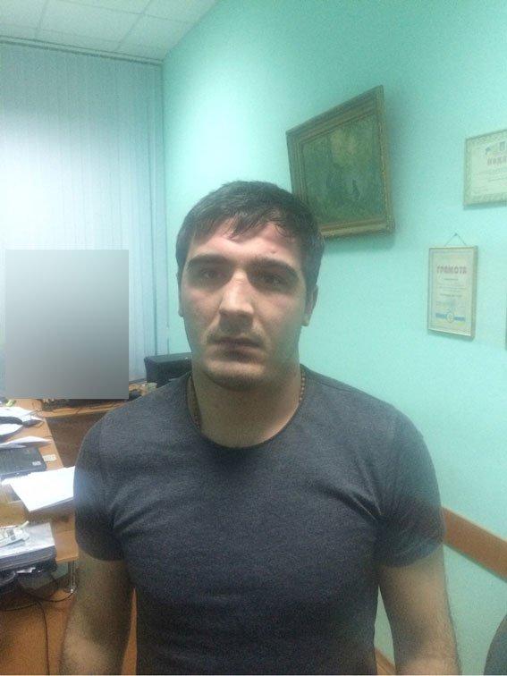 В Полтаве иностранцы пытались ограбить квартиру, когда  в ней находился хозяин (фото) - фото 1