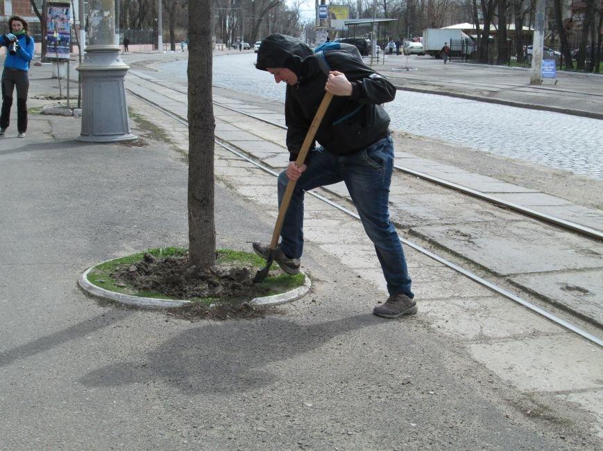 5fe19b6e13d8452023b6aa74e9515b36 Протест с лопатами. Одесситы против расширения Французского бульвара