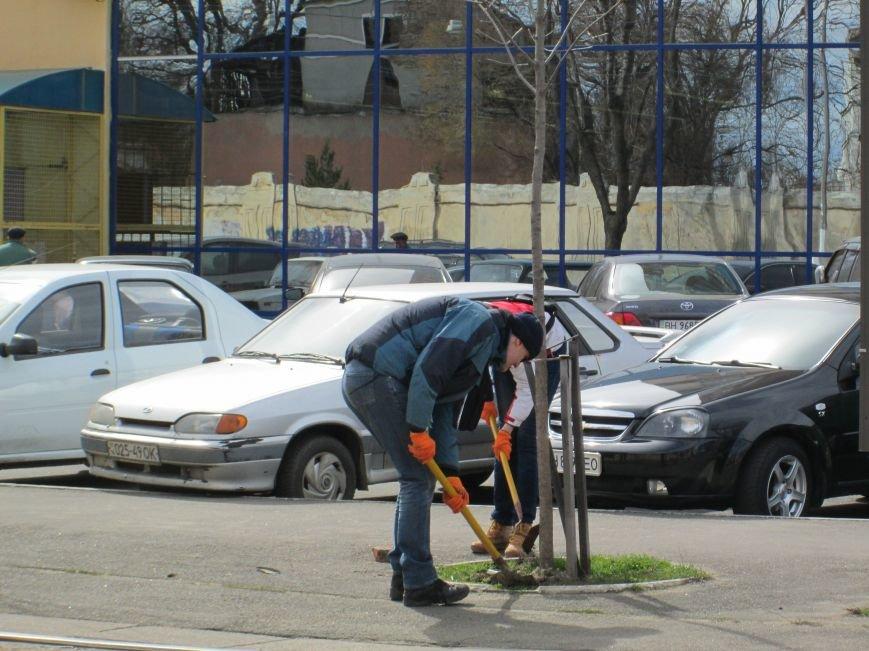 e15abade9de80cac6a381a3e75820dbf Протест с лопатами. Одесситы против расширения Французского бульвара