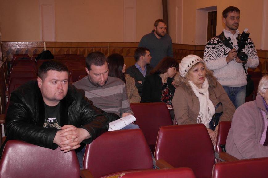 В Красноармейске подытожили 100 дней работы новоизбранного городского совета и озвучили чертову дюжину серьезных проблем, фото-7